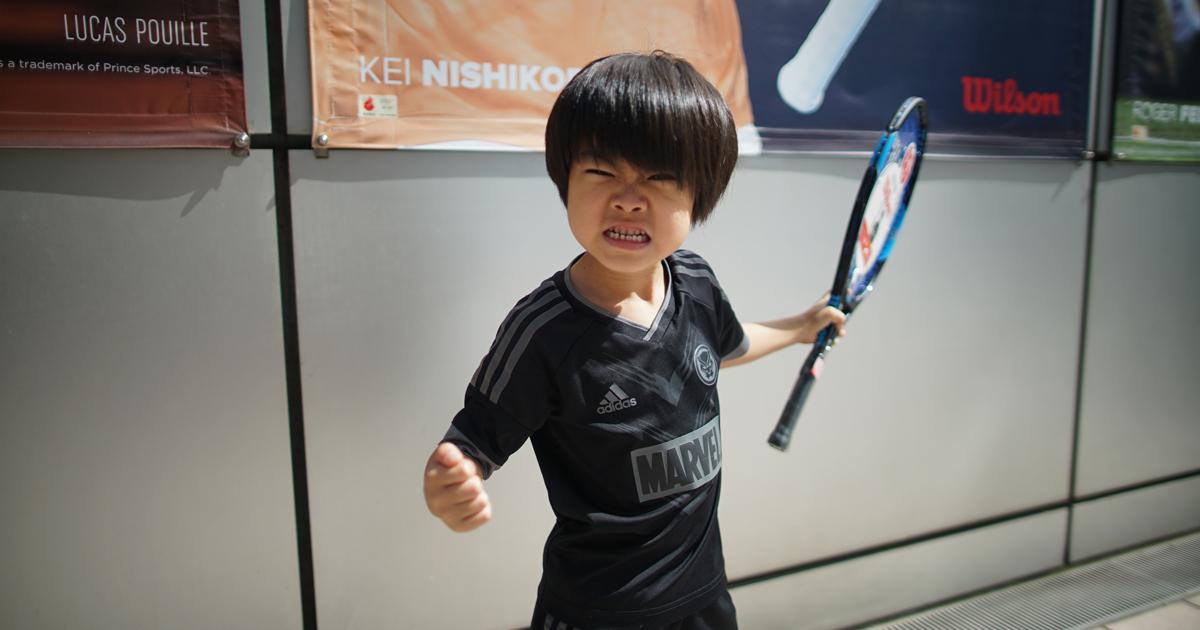 テニスラケットを買った