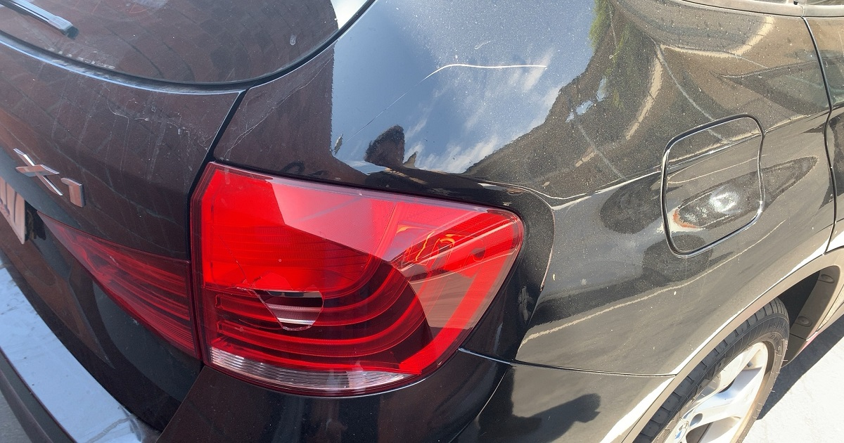BMW X1破損